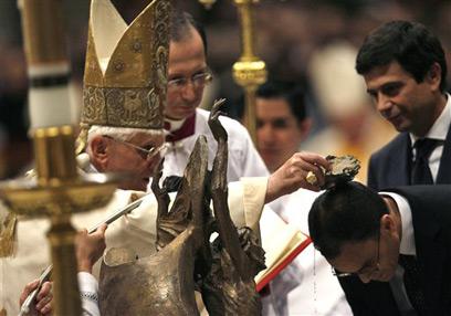 Anti Pope Benedict XVI baptizing a Muslim 'convert' Magdi Allam in 2008
