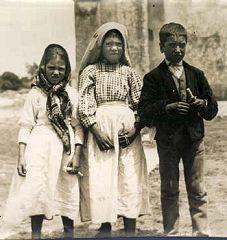 Niam Mab Liab Tshwm Sim nyob Fatima Fatima_children_see_hell