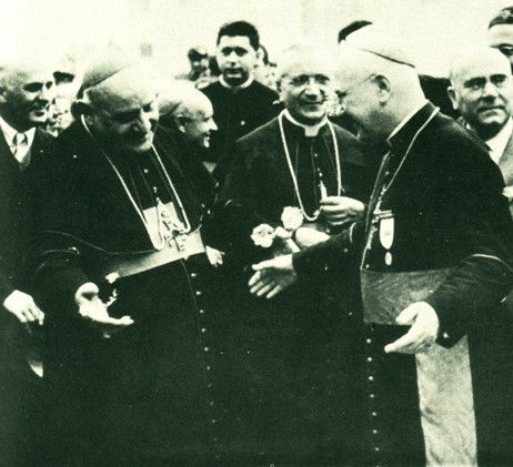 Anti Pope John XXIII smiling like the religious mobster that he was