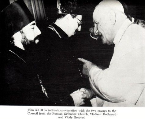 "Anti Pope John XXIII giving Masonic handshake with Russian ""Orthodox"""