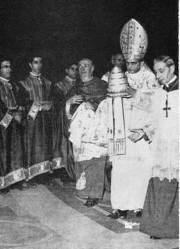 Anti-Pope Paul VI giving away the Papal Tiara