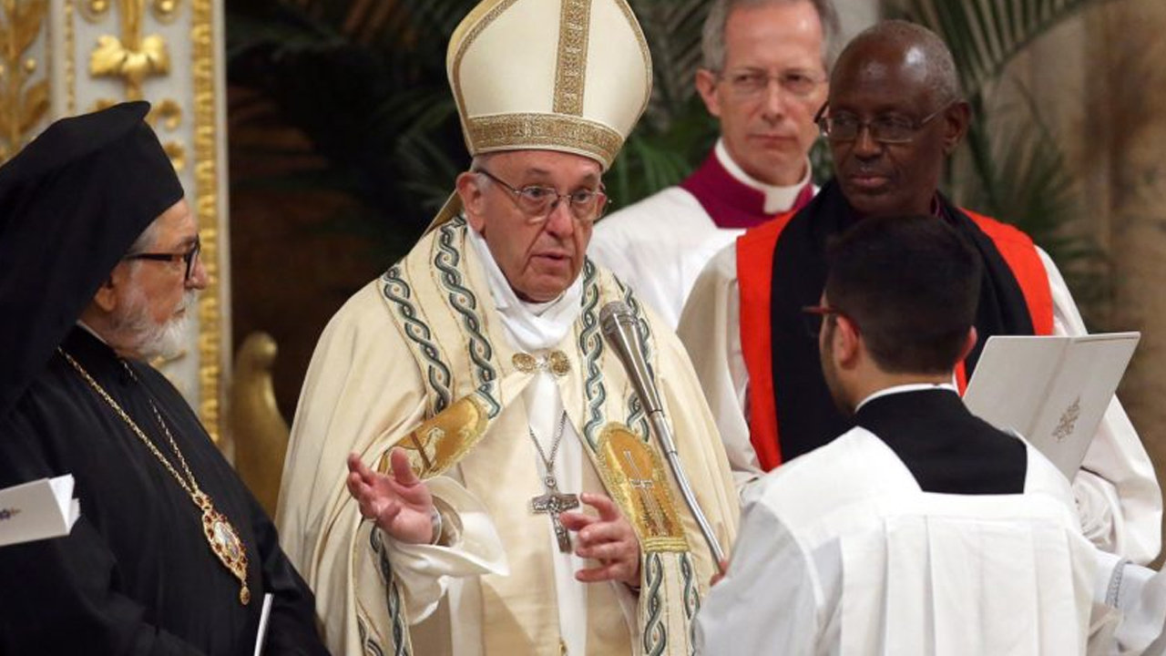 """Anti-Pope Francissays non-Catholics are """"witnesses to faith, martyrs"""""""